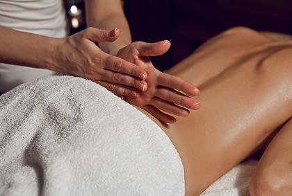 Знакомство с мастером, первый массаж спины бесплатно